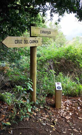 Una 'app' aporta datos al senderista en mitad del principal camino de Anaga