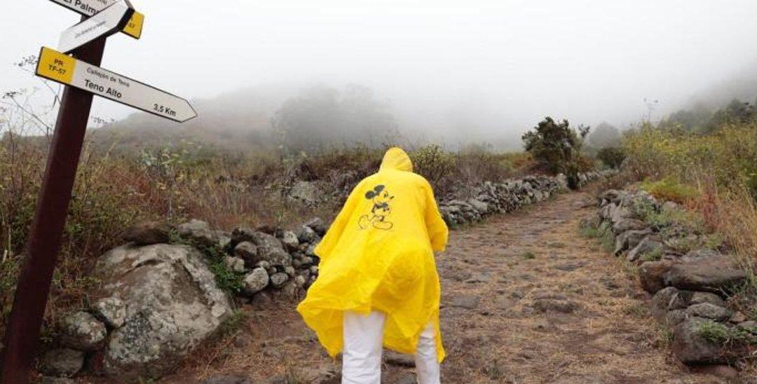 Los senderistas tinerfeños critican el exceso de noveleros en el monte